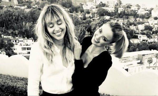 Kaitlynn Carter celebra su cumpleaños 31 junto a Miley Cirus