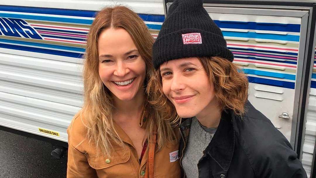 Kate Moennig y Leisha Hailey quieren que las escuches en su nuevo podcast llamado Pants