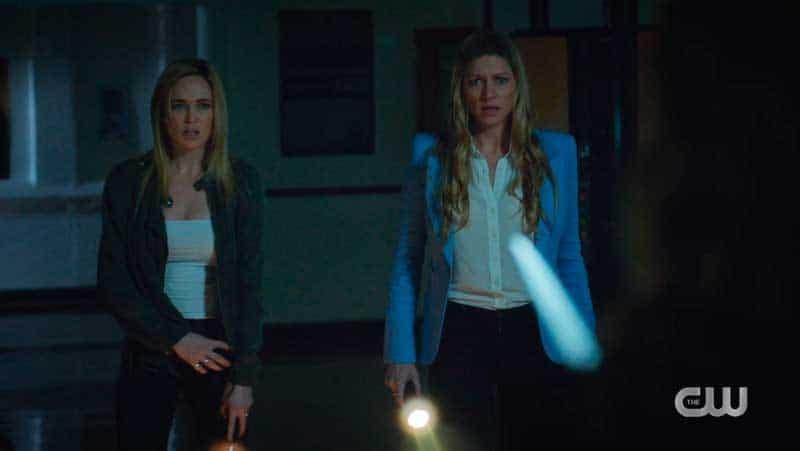 Sara y Ava descubren al verdadero asesino