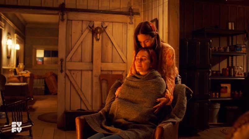 Waverly cuidando de Nicole