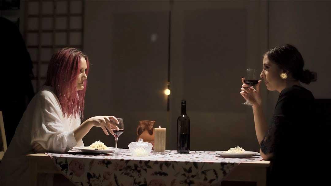 No me mires así por María Peláe y Alba Reig un himno a la química entre dos mujeres