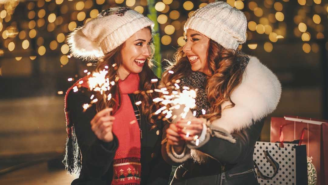 8 películas lésbicas navideñas para disfrutar juntas estas navidades