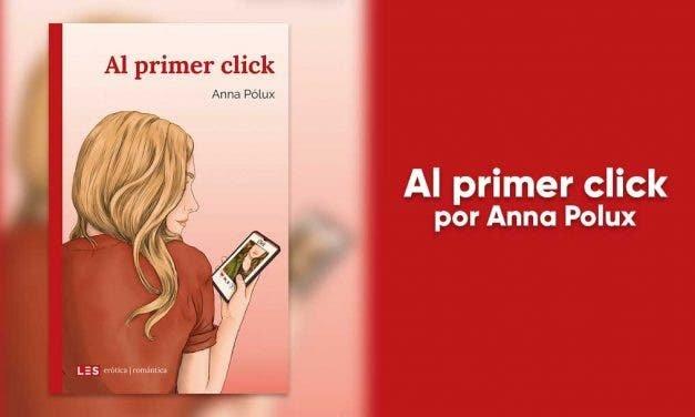 Al primer click: un romance lésbico que ¡te va a dejar loca!