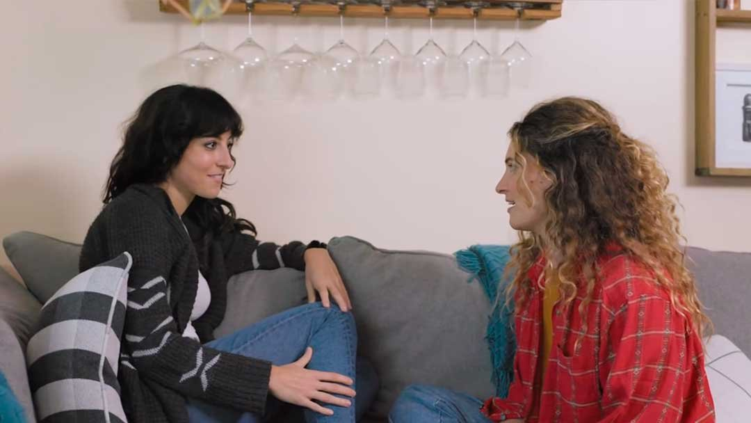 Girl Night Stand: Chapter Two un corto lésbico sobre el amor en tiempos de pandemia