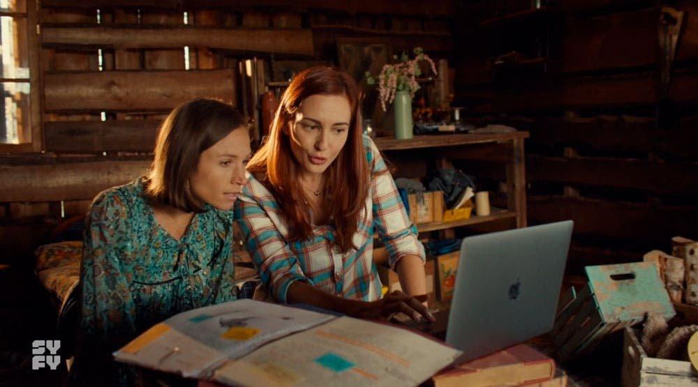 Waverly y Nicole investigando