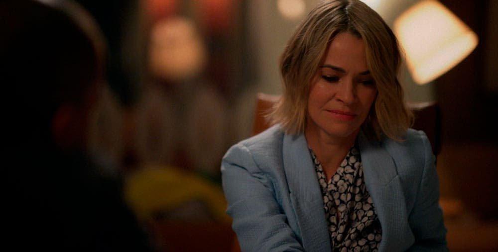 Alice llorando