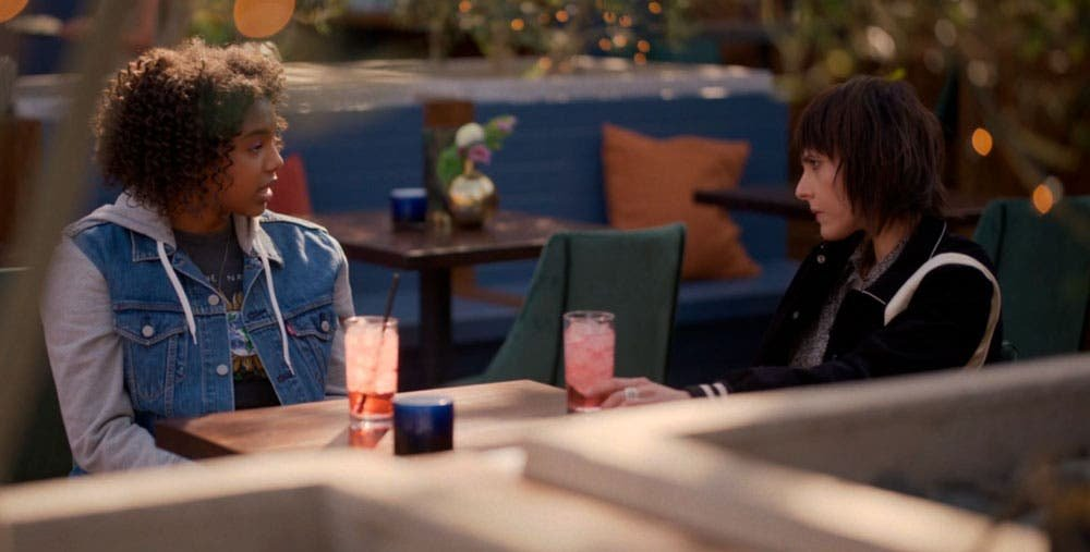 Angie pidiéndole consejo a Shane