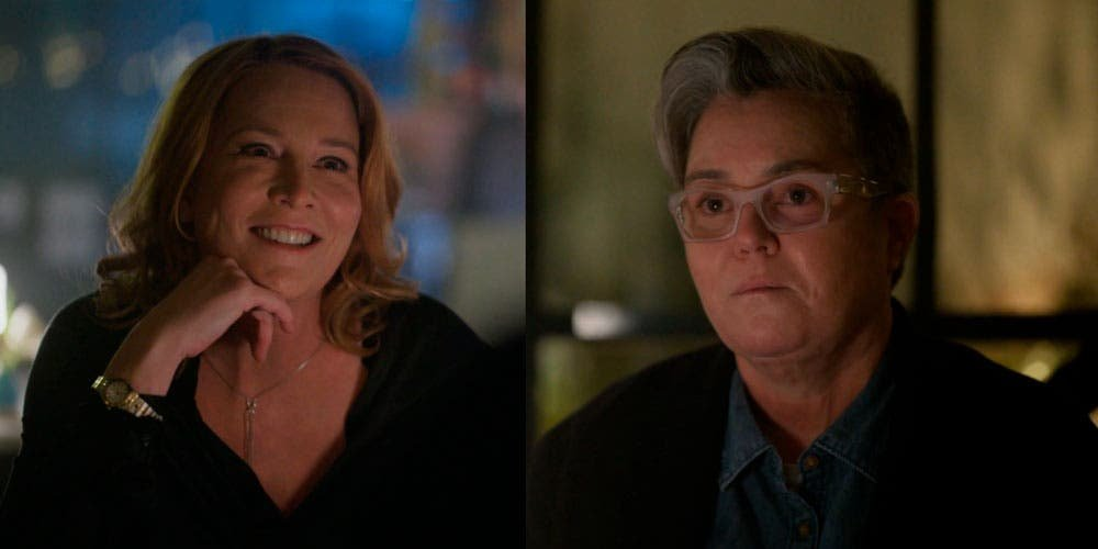 Carrie y Tina cenando