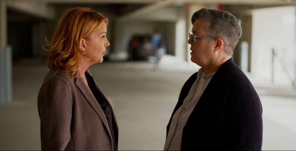 Tina y Carrie discutiendo