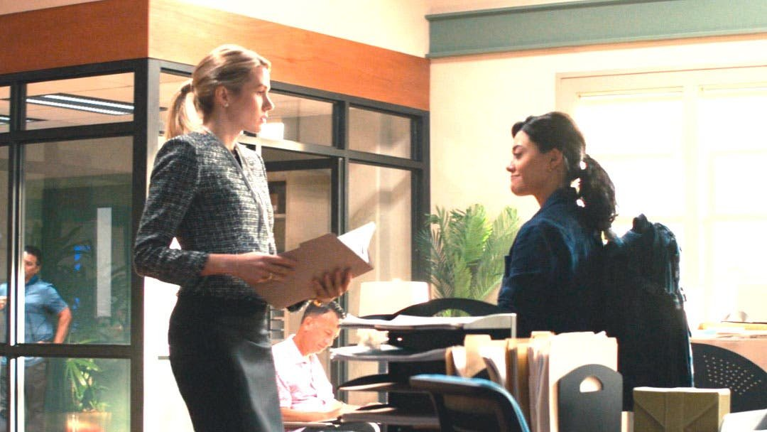 NCIS: Hawai'i 1×02 mini resumen de episodio «Boom»