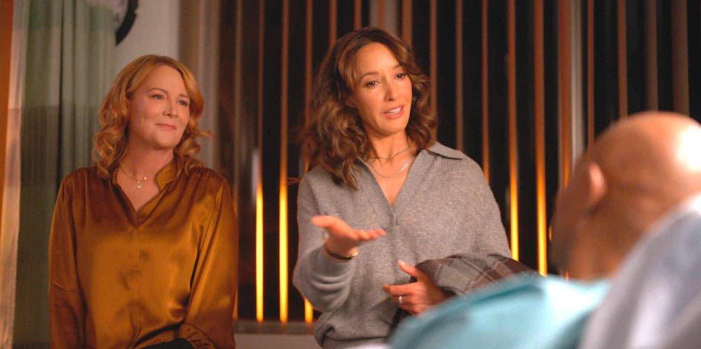 Tina y Bette hablando con Marcus